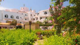 Saracen Sands Village