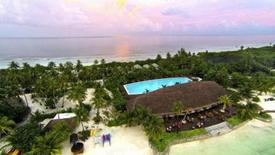 Canareef Resort