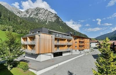 Mons - Alpine Lodge