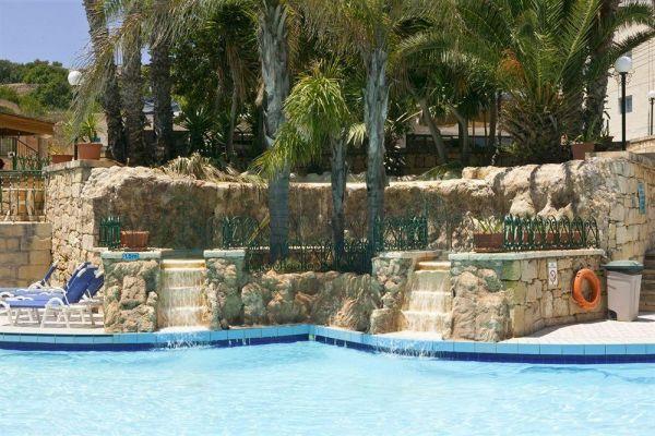 Hotel porto azzuro aparthotel wyspa malta malta for Appart hotel porto