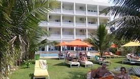 J Hotel (Negombo)