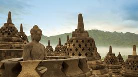 Śnij na Jawie, tańcz na Bali