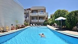 Akatos Aparthotel