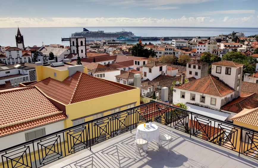 hotel orquidea madera portugalia. Black Bedroom Furniture Sets. Home Design Ideas