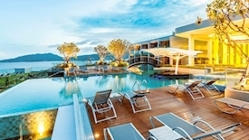 Crest Resort & Pool Villa