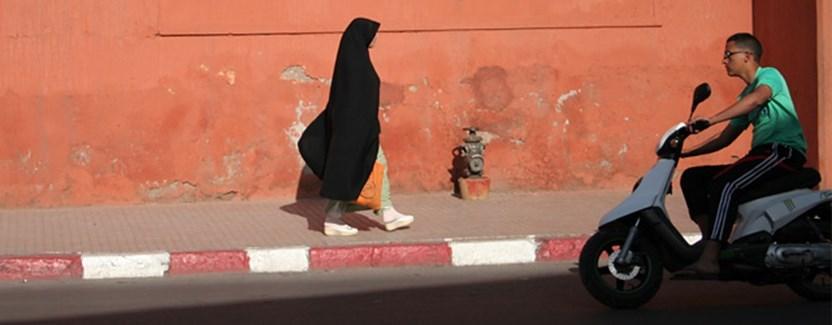 Za murami Medyny w Marrakeszu