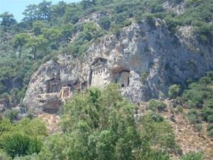grobowce-likijskie-w-Dalyan.jpg