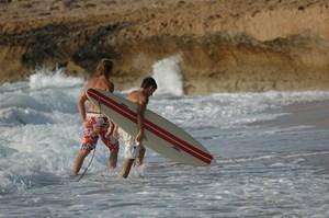 plaza-cypr-surfing.JPG