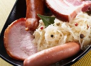 Choucroute to jedna z najbardziej znanych alzackich potraw