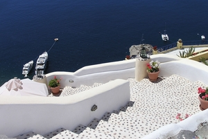 stairs_santorini_greece_2048x1374.jpg