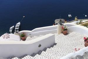stairs_santorini_greece_2048x1374.jpg