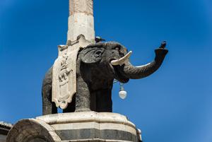 Katania - fontanna słonia.jpg