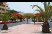 Hotel Best Jacaranda - Ulica przed hotelem