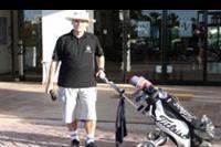 Djerba - przed hotelem jade na golfa