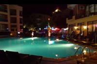 Hotel Palmea - Basen nocą