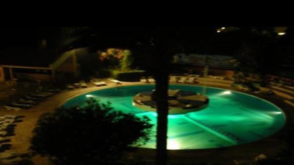 Adrar hotelowy  basen