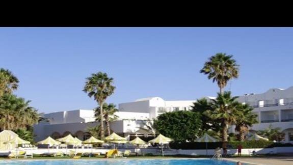 Basen hotelu El fell