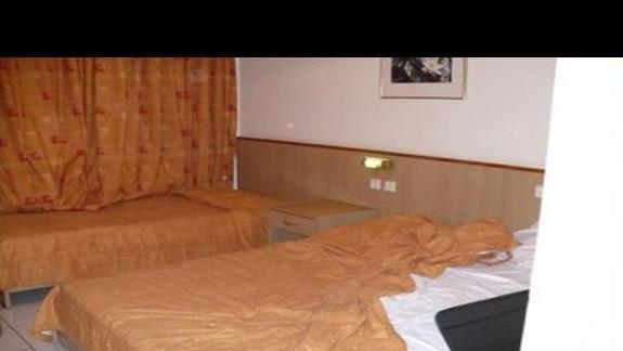 lózka w pokoju