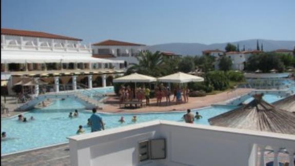 Basen dostepny dla gości hotelu Holidays in Evia