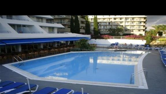 Apart Hotel Maritim - Basen hotelowy