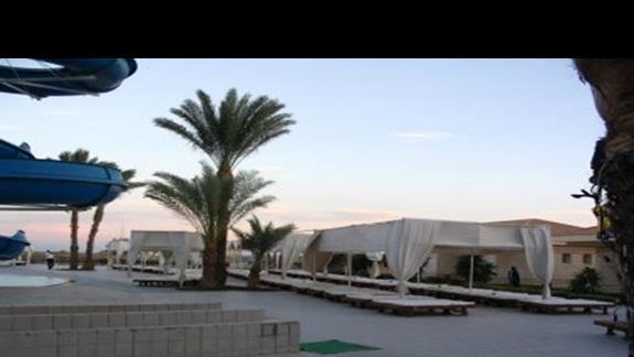 plaza przy nalezonca do hotelu