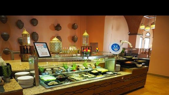 Bufet w restauracji głównej