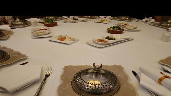 Przystawki w restauracji Tureckiej
