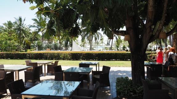 Restauracja przy basenie