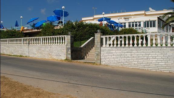 zdjęcie hotelu z zewnątrz