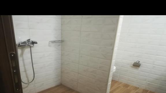 łazienka w pokoju odnowionym