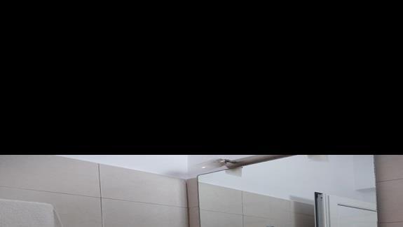łazienka w pokoju typu studio w hotelu Coralli Beach