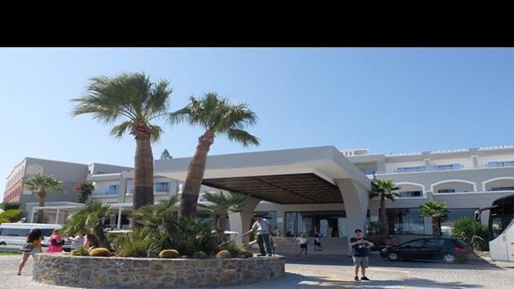 wejście do hotelu Mitsis Rodos Village