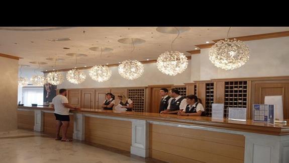 lobby w hotelu Mitsis Rodos Maris