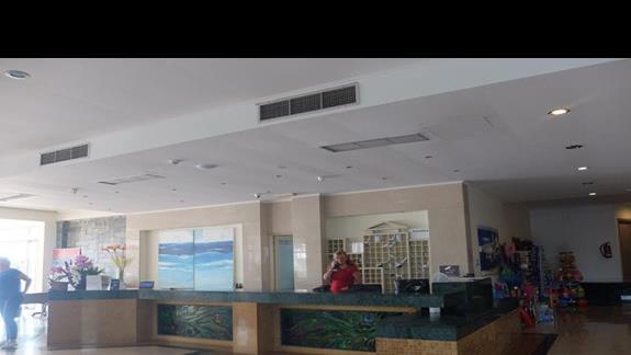 recepcja w hotelu Lutania Beach