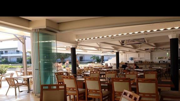 restauracja w hotelu Lutania Beach