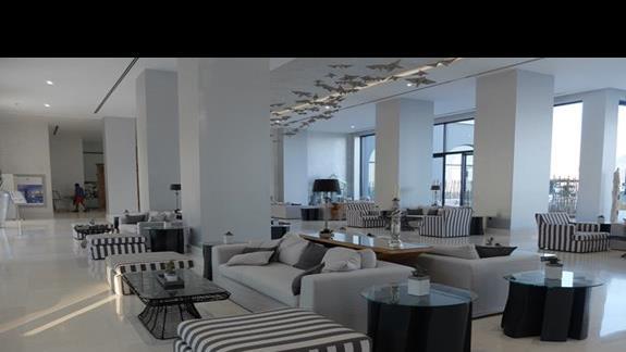 lobby w hotelu Mitsis Alila