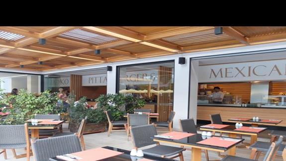 restauracja w hotelu Mitsis Grand
