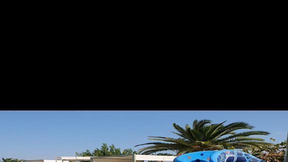 basen dla dzieci w hotelu Kipriotis Village