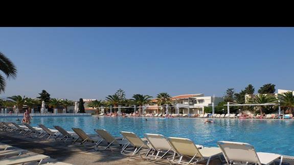 basen w hotelu Kipriotis Village
