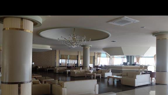lobby w hotelu Kipriotis Village
