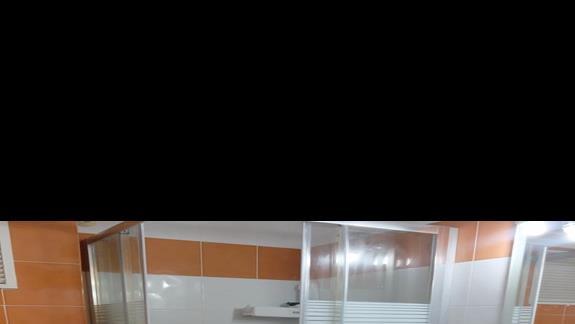 łazienka w pokoju standardowym w hotelu Palm Beach