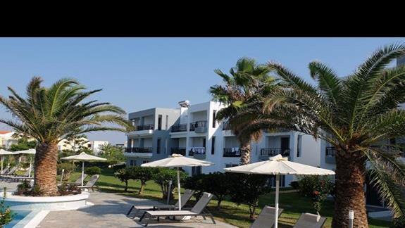 otoczenie hotelu Thalasea Beach Resort
