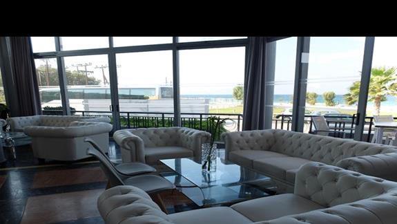 lobby w hotelu Thalasea Beach Resort