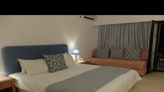 pokój standardowy z dostawką w hotelu Mitsis Ramira