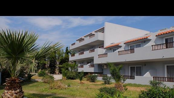 otoczenie hotelu Evripides Village