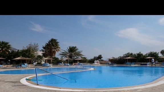 basen w hotelu Evripides Village