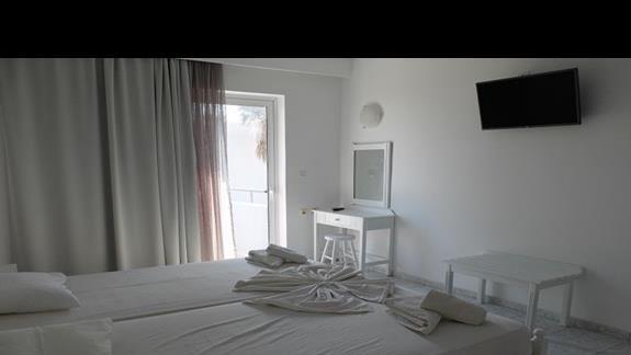 pokój standardowy w hotelu Evripides Village