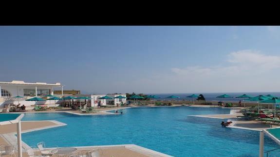 basen w hotelu Mitsis Family Village
