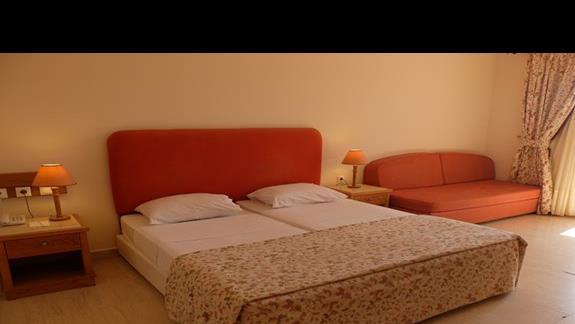 pokój standardowy z dostawką w hotelu Mitsis Family Village