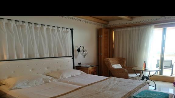 pokój standardowy w hotelu Mitsis Blue Domes